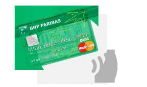 Przeźroczysta karta płatnicza BNP Paribas - widać ścieżki anteny systemy płatności zbliżeniowych